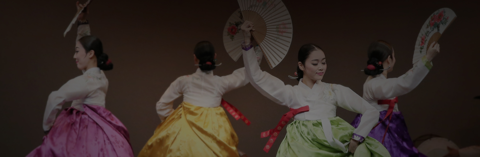 Elegant feast | The Busan National Gugak Center will make every effort to naturally blend traditional art into our lives and to proudly share our culture  through the world stage.